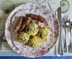 Button Scrambled Eggs with sausage links